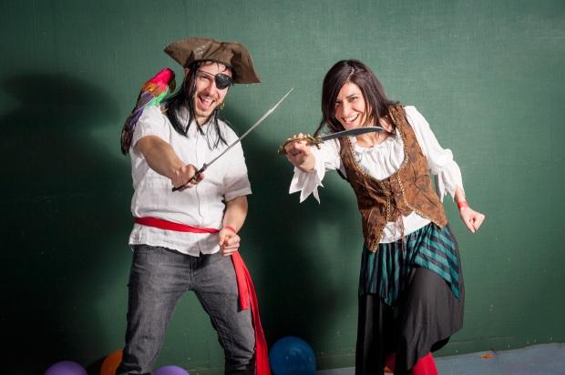 hjorthmedh-portuguese-carnival-pirates-arrive